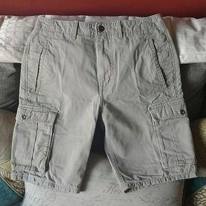 Men's sz 30 Levi's khaki cargo shorts